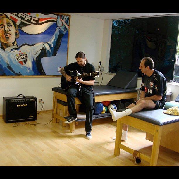 Andreas Kisser e Rogério Ceni ilustram a essência do FuteRock ...