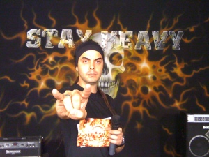 Vinicius Neves apresentador do Stay Heavy no FuteRock