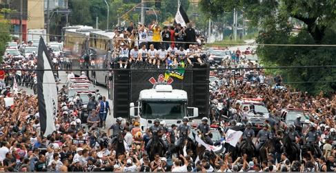 Corinthians desfila em São Paulo-FuteRock
