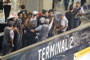 Corinthiano preso em Cumbica Guarulhos-FuteRock