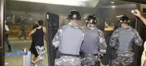 policiaXcorinthians no aeroporto
