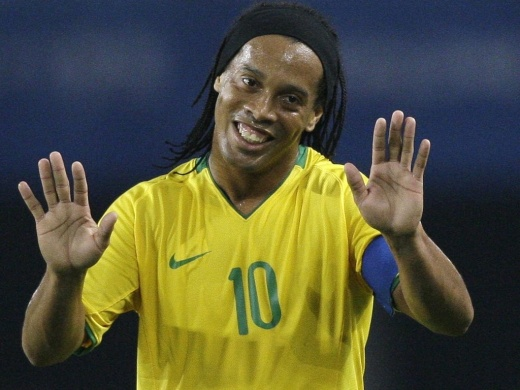 Ronaldinho-gaúcho-Seleção-Brasileira-Coca-Cola-Pepsi-FuteRock