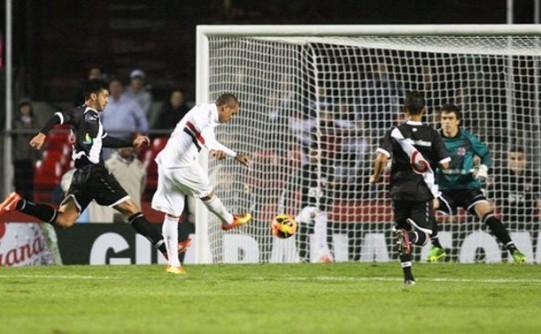 São-Paulo-Vasco-Luis-Fabiano-FuteRock