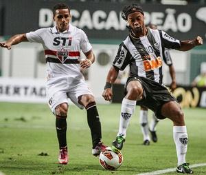 Atlético-MG-São-Paulo-Ronaldinho-Douglas-FuteRock