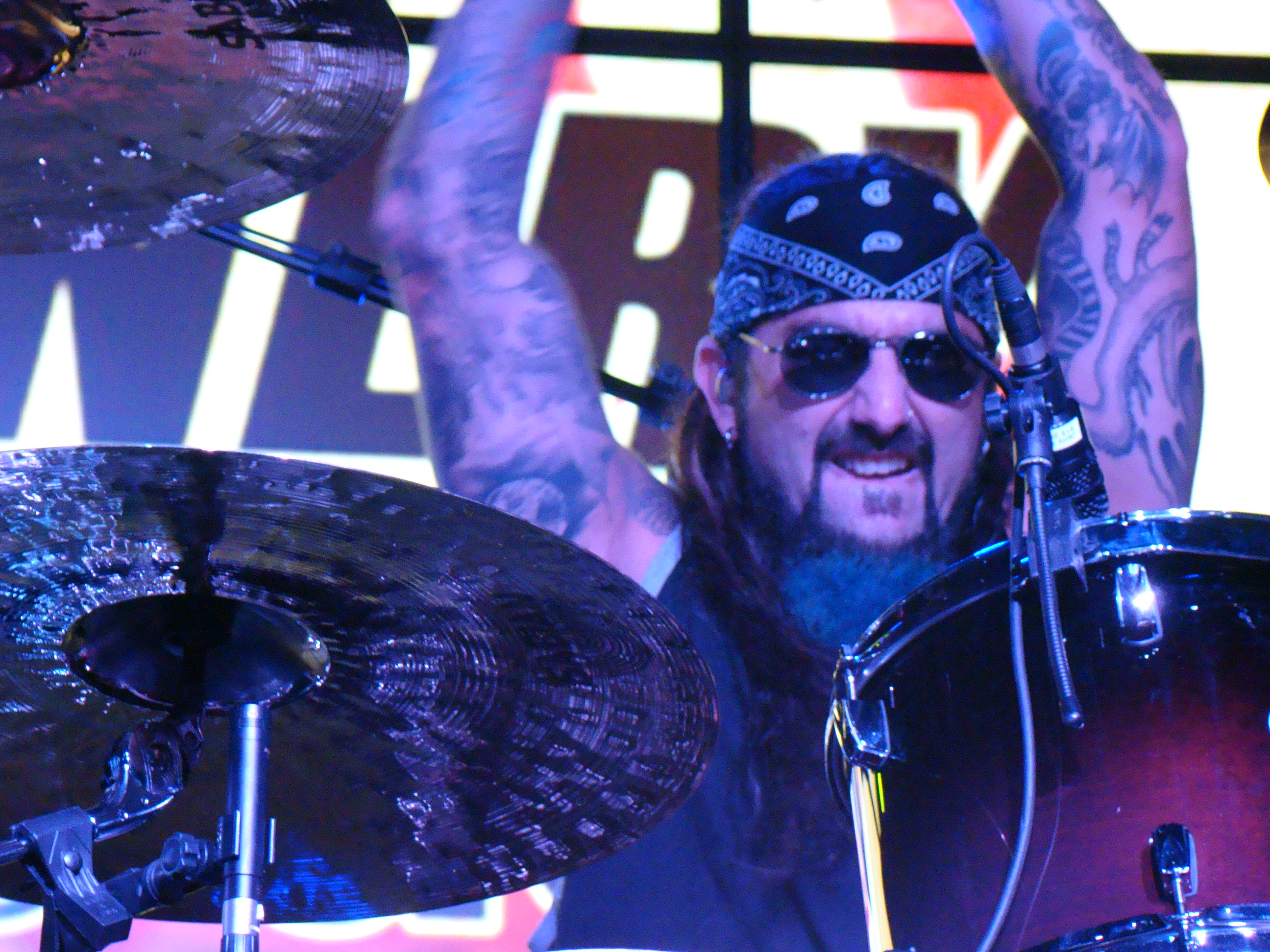 The- Winery- Dogs-Mike-Portnoy-FuteRock