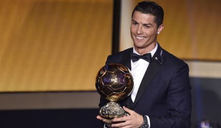 Cristiano-Ronaldo-Bola-Ouro-FuteRock
